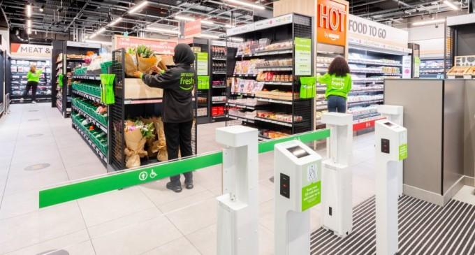 Αmazon: Με αισθητήρες, κάμερες και 30 μόνο υπαλλήλους το σούπερ μάρκετ χωρίς… ταμεία στο Λονδίνο – Πως θα πληρώνουν οι πελάτες