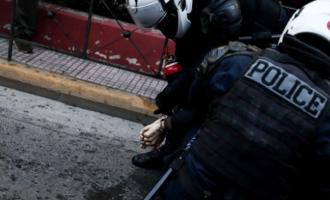 Ένταση στην πορεία για Κουφοντίνα: 10 προσαγωγές από την αστυνομία