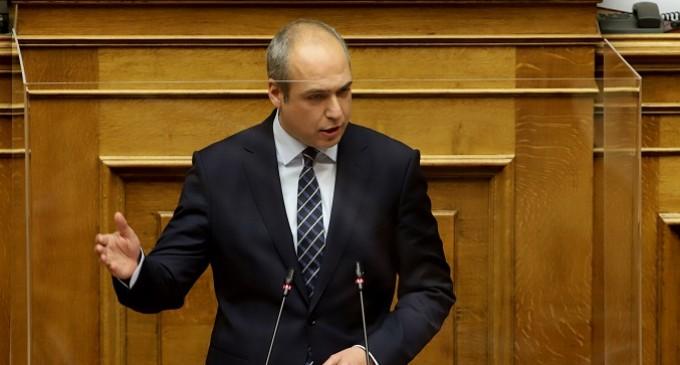 Χριστόφορος Μπουτσικάκης: «Να δώσουμε μια ευκαιρία στην τοπική αγορά του Πειραιά και των νησιών»