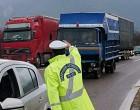 Έλεγχοι σε φορτηγά οχήματα στη Σαλαμίνα