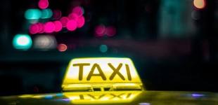 Πατήσια: Κλείδωσε 20χρονη πελάτισσα μέσα στο ταξί του και όρμησε να τη βιάσει