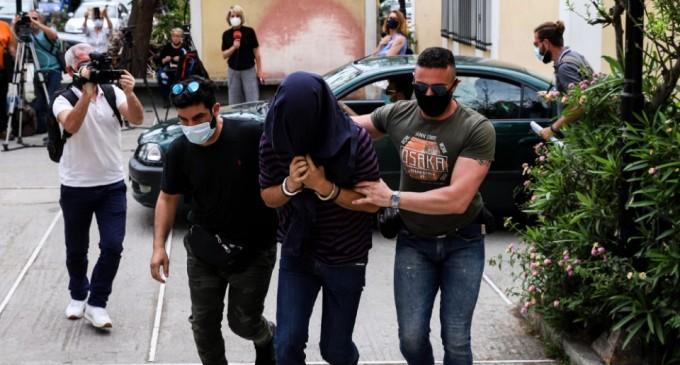 Νέα Σμύρνη: Νέα δίωξη στον 22χρονο επιδειξία για δύο απόπειρες βιασμού
