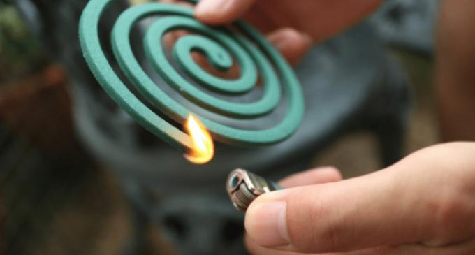 Απίστευτο περιστατικό: Έβαζε φωτιές με φιδάκι για να τις σβήνει ο ίδιος