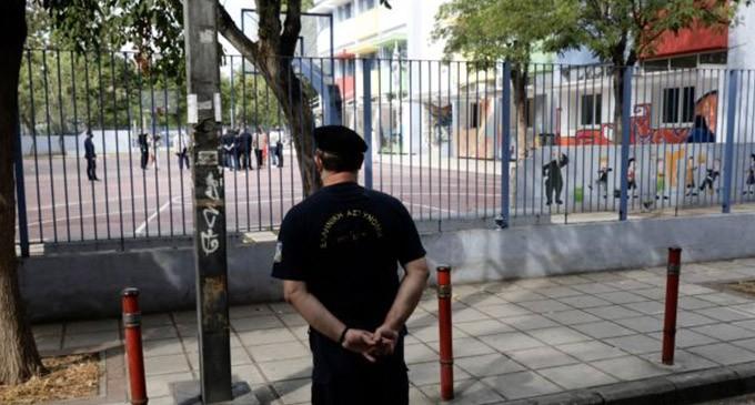 Αλλάζει ο Ποινικός Κώδικας μετά τα περιστατικά με τους αρνητές – Τέλος το αυτόφωρο για εκπαιδευτικούς και γιατρούς