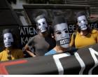 Διαμαρτυρία αντιεξουσιαστών στο Μοναστηράκι για τα κέντρα κράτησης -Φορώντας μάσκες