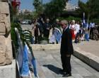 Ο Πρόεδρος του Δημοτικού Συμβουλίου Πειραιά Γ.Δαβάκης στην εκδήλωση τιμής του Ήρωα Γεωργίου Καραϊσκάκη στο μνημείο του στο ΝΦάληρο
