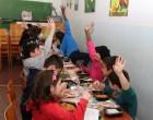Σχολικά γεύματα σε 1155 μαθητές του Κορυδαλλού