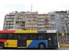 Viral το αυτοκόλλητο στα λεωφορεία της Αθήνας για τους επιβάτες που… βρωμάνε