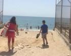 Την παραλία «Βοτσαλάκια» στον Πειραιά επέλεξαν αρκετοί για να περάσουν λίγες ξέγνοιαστες ώρες