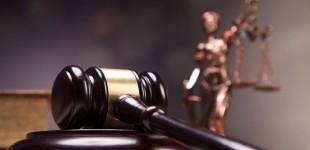 Δικηγορικός Σύλλογος Πειραιά: Ανησυχία για τα… «παρατηρούμενα επαναλαμβανόμενα φαινόμενα παρέμβασης δημόσιων αξιωματούχων σε εκκρεμείς δικαστικές υποθέσεις»!
