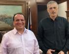 Ηλίας Χατζηκώστας, Αλεξάνδρα Χρυσουλάκη και Δημήτρης Φωτινιάς με τον «Πειραιά Νικητή»