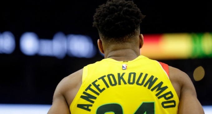 NBA: Kαλύτερος παίκτης του μήνα στην Ανατολή ο Αντετοκούνμπο