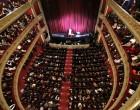 Παρουσίαση της ιστορικής αυλαίας του Δημοτικού Θεάτρου