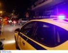 Επίθεση σε περιπολικό στον Πειραιά από οπαδούς! Τραυματίστηκε αστυνομικός