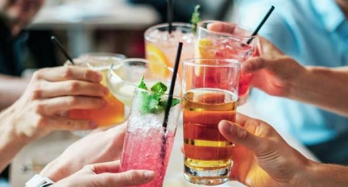 Μύθος ότι η μικρή κατανάλωση αλκοόλ προστατεύει από εγκεφαλικό