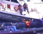 Εντυπωσιακό βίντεο από την καταδίωξη σκάφους στο Αιγαίο