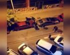 ΣΟΚ: Βγήκε στο μπαλκόνι και κατέγραψε την άγρια ληστεία με ρόπαλα, μπουνιές και κλωτσιές (βίντεο)