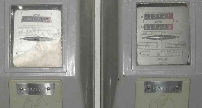 Καταγγελία: Βρήκαν απίστευτα «κόλπα» για να «τρενάρουν» λογαριασμούς της ΔΕΗ
