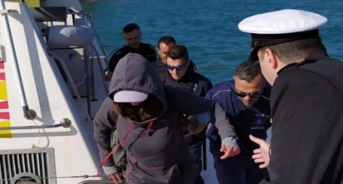ΣΟΚ στο ΛΙΜΕΝΙΚΟ: Τουρίστρια «χάθηκε» 40 ναυτικά μίλια νοτιοδυτικά της Φολέγανδρου και επέζησε με καραμέλες!