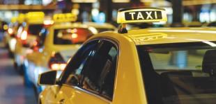 Μειώνεται στο 13% ο ΦΠΑ στα κόμιστρα των ταξί