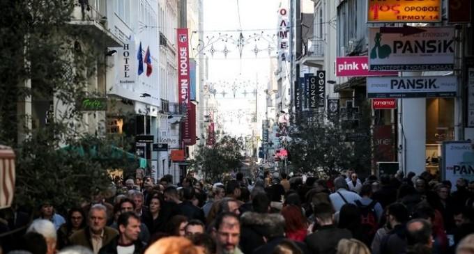 Εορταστικό ωράριο Χριστουγέννων – Ποιες Κυριακές ανοίγουν τα καταστήματα