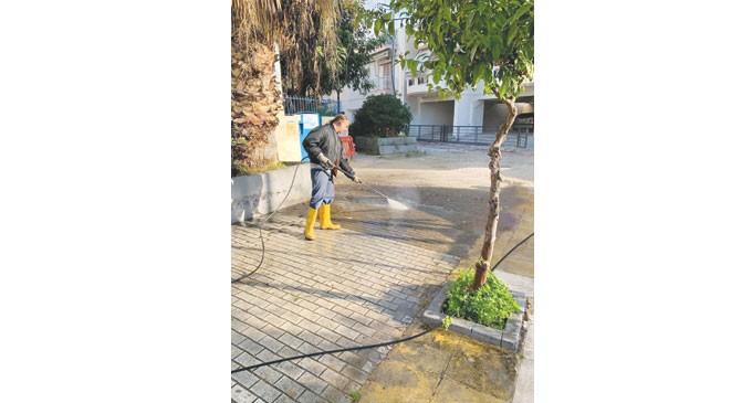 Καθαριότητα Πειραιά: «Επιχείρηση» στα Καμίνια (ΦΩΤΟ)