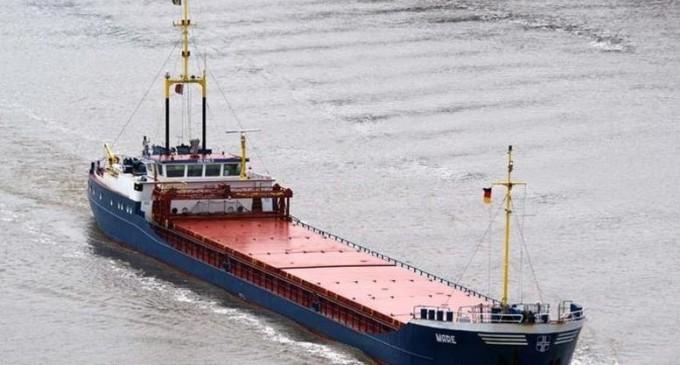 Ακυβέρνητο φορτηγό πλοίο πλέει μεταξύ Καλύμνου-Αστυπάλαιας