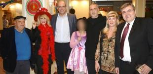 Ο Γιάννης Μώραλης στην αποκριάτικη γιορτή της Εταιρείας Προστασίας Ανηλίκων Πειραιά «Ο Καλός Ποιμήν»