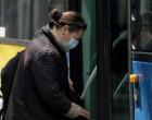 Οι οδηγίες του ΕΟΔΥ για την εφαρμογή της απλής χειρουργικής μάσκας -Πώς να τη φοράτε, πώς να τη βγάζετε