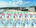 Παραλίες με… πλέξιγκλας για να μην χαθεί η σεζόν (Βίντεο)