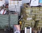 Λιμάνι Πειραιά: Bρέθηκε… οπλοστάσιο σε εμπορευματοκιβώτιο -Μαχαίρια, σιδερογροθιές, ξίφη και γκλομπς