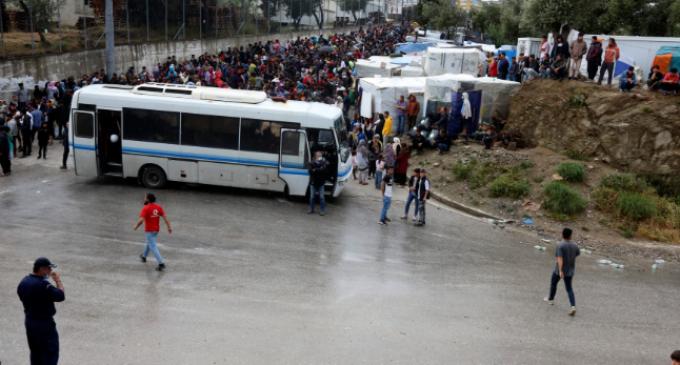 Εκτός δομών από τη Δευτέρα 10.000 πρόσφυγες και μετανάστες