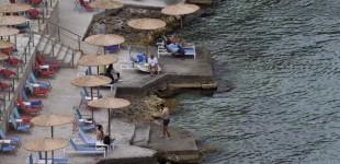 Νέοι κανόνες για τις παραλίες – Αντιδρούν οι επιχειρηματίες για τους περιορισμούς