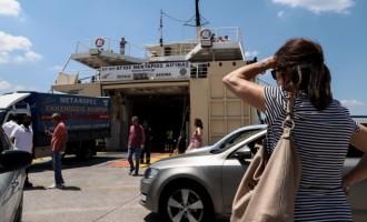 Αυξημένη η κίνηση στο λιμάνι του Πειραιά για τα νησιά -Φεύγουν για τα πρώτα καλοκαιρινά μπάνια
