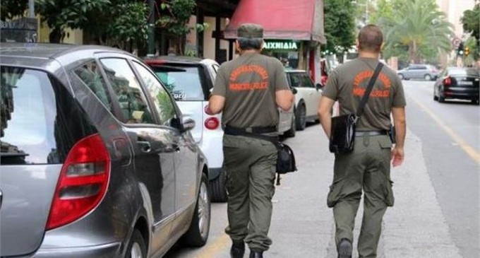 Τηλεφώνημα Θεοδωρικάκου σε Δημάρχους: Βγάλτε έξω τη δημοτική αστυνομία και ξεκινήστε ελέγχους