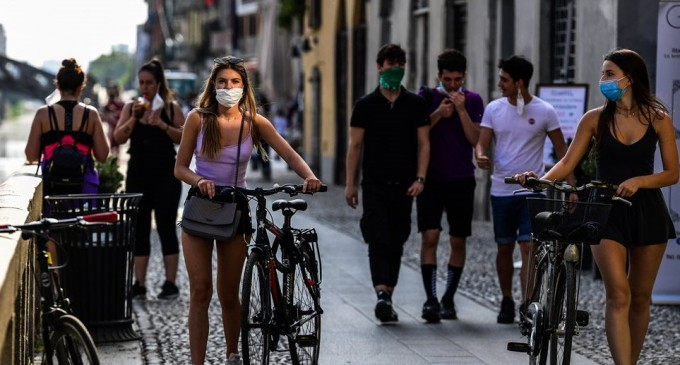 Λαζανάς: Μάσκα παντού και σε εξωτερικούς χώρους για να αποφύγουμε το lockdown