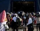 Σίγρι: Έδεσε το «Blue Star Chios» για τη φιλοξενία 1000 προσφύγων και μεταναστών
