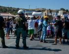 Προσπάθεια του υπ. Μετανάστευσης να πεισθούν οι πρόσφυγες να μπουν στη νέα δομή