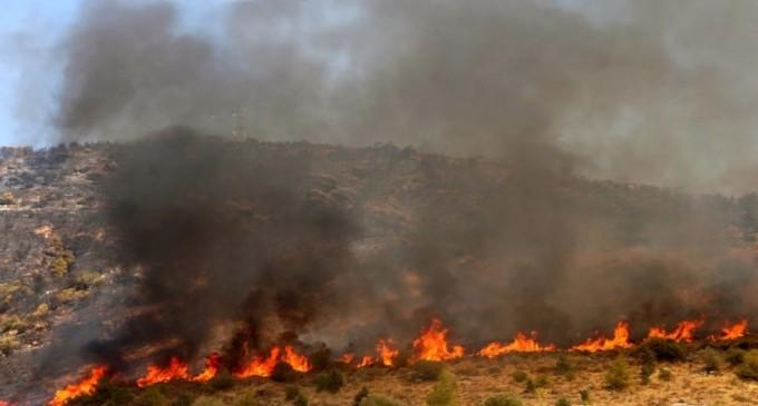 Μάχη με τη φωτιά για δεύτερη ημέρα στην Αλεξανδρούπολη