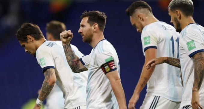 Επέστρεψε με γκολ ο Μέσι, νίκη στις καθυστερήσεις για Ουρουγουάη