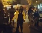 Συγκέντρωση διαμαρτυρίας έξω από το σπίτι του δράστη που μαχαίρωσε τον σκύλο στη Νίκαια