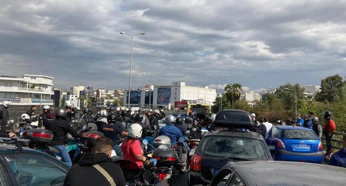 Τροχαίο στη λεωφόρο Κηφισού με δύο τραυματίες αστυνομικούς – Μεγάλο μποτιλιάρισμα στο σημείο