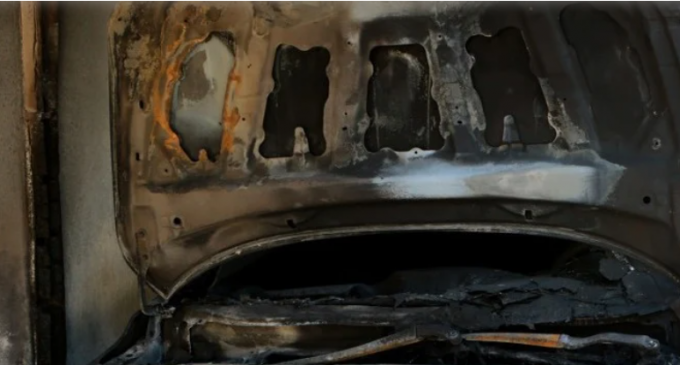 Πυρπόλησαν αυτοκίνητα σε Κολωνό και Κάτω Πατήσια