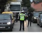 Αστυνομία παντού στη Δυττική Αττική: ΟΠΚΕ, ΔΙΑΣ, Τροχαία και περιπολικά που καλούν τον κόσμο να μείνει σπίτι