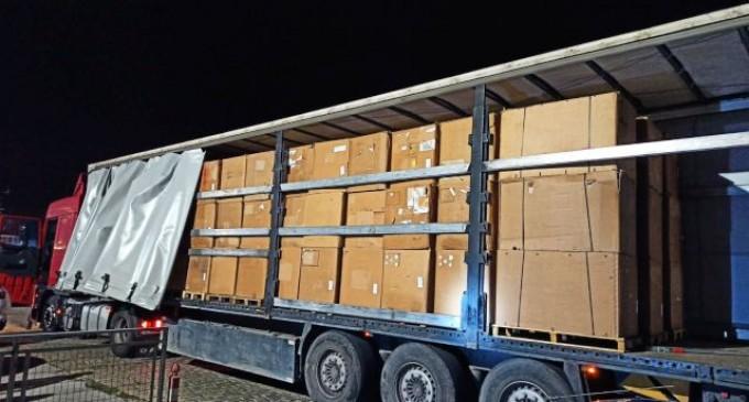 Δέκα τόνοι λαθραίου καπνού σε φορτηγό στη Χαλκίδα
