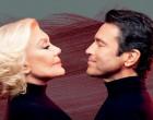H Μαρινέλλα και ο Μάριος Φραγκούλης στη σκηνή του Christmas Theater Γαλατσίου