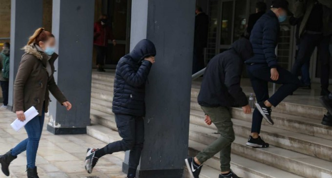 Ελεύθεροι οι 7 ανήλικοι για την κακοποίηση της 14χρονης