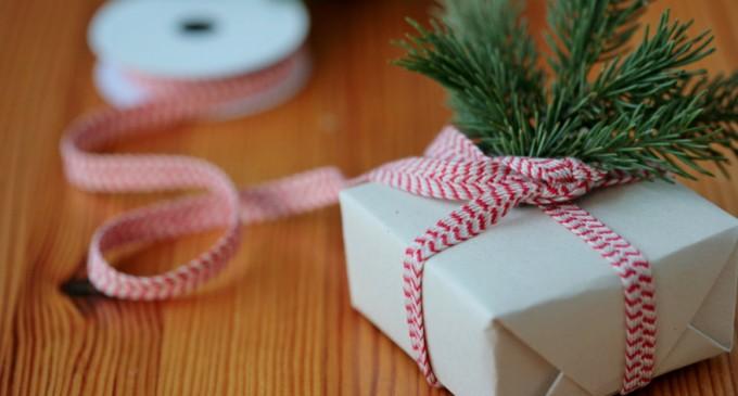 Χριστούγεννα: Τα 10 πράγματα που πρέπει να προσέξετε στις αγορές και τα δώρα μέσω ταχυδρομείου