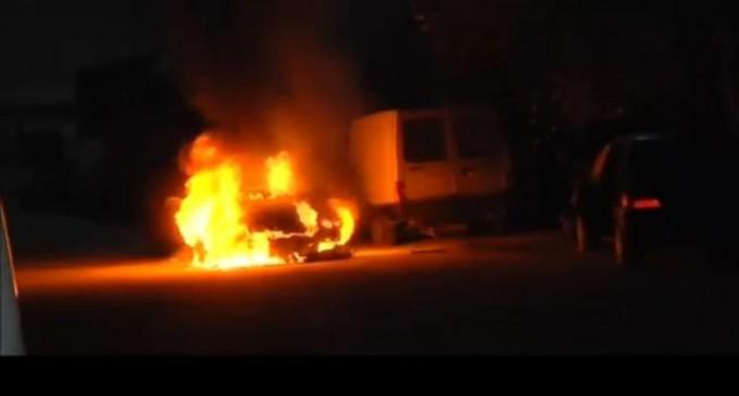 Έκρηξη σε αυτοκίνητο δημοσιογράφου έξω από τηλεοπτικό σταθμό – ΒΙΝΤΕΟ