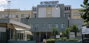 Επίσκεψη Α. Ξανθού σε εμβολιαστικό κέντρο του Πειραιά